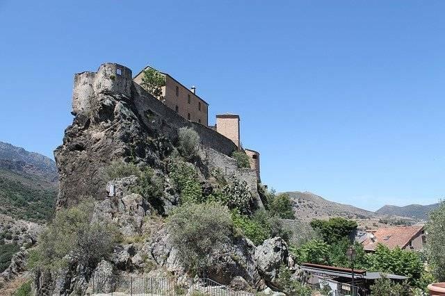 Corte-Corse-ancienne capitale de la Corse - citadelle