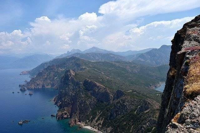 randonnées-et-balades-en-montagne-Corse