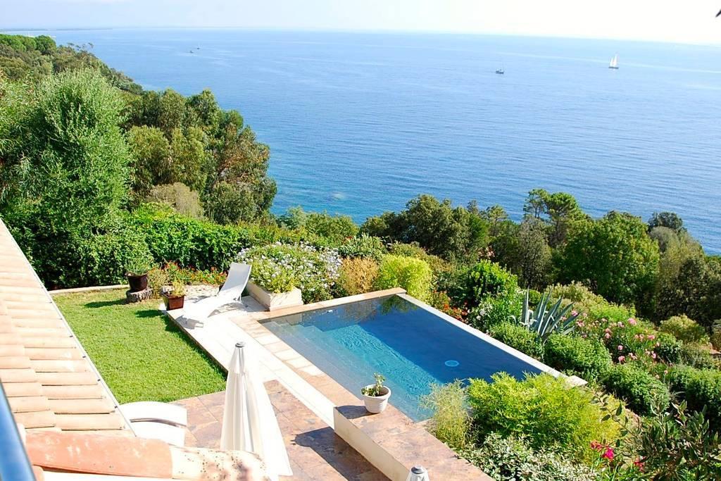 Solenzara – villa vue mer avec piscine dans la baie de Cala d'Oro