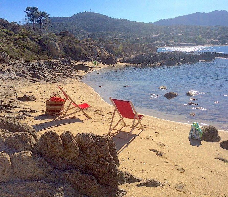 Favone – T3 dans villa bord de mer avec accès à une jolie crique