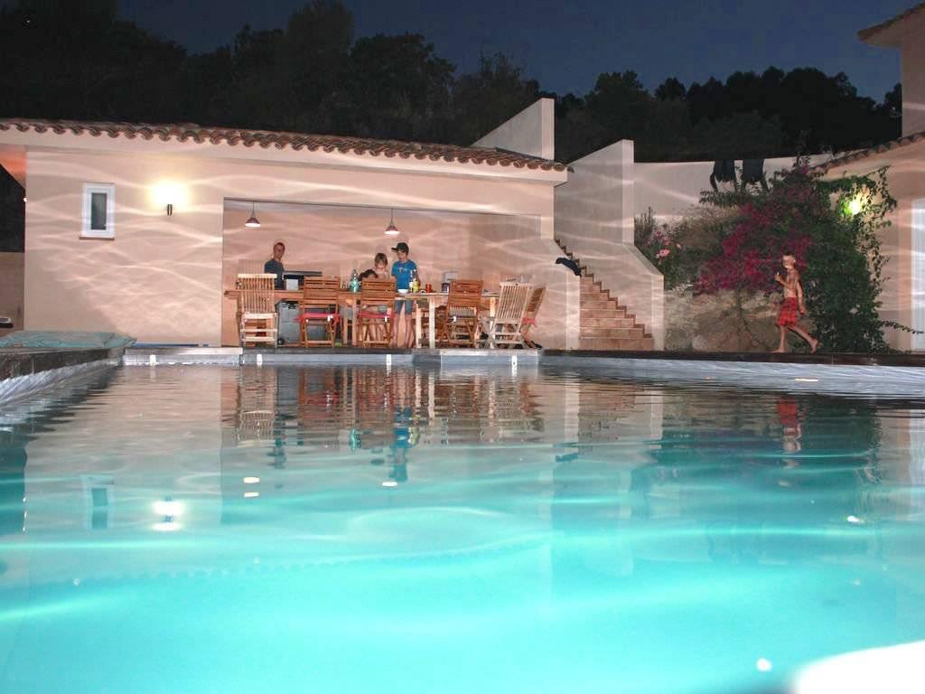 Solenzara – villa avec piscine chauffée et vue mer