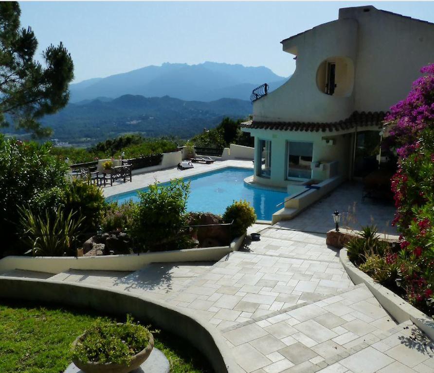 Porto-Vecchio – villa pour 12 personnes avec vue mer – piscine