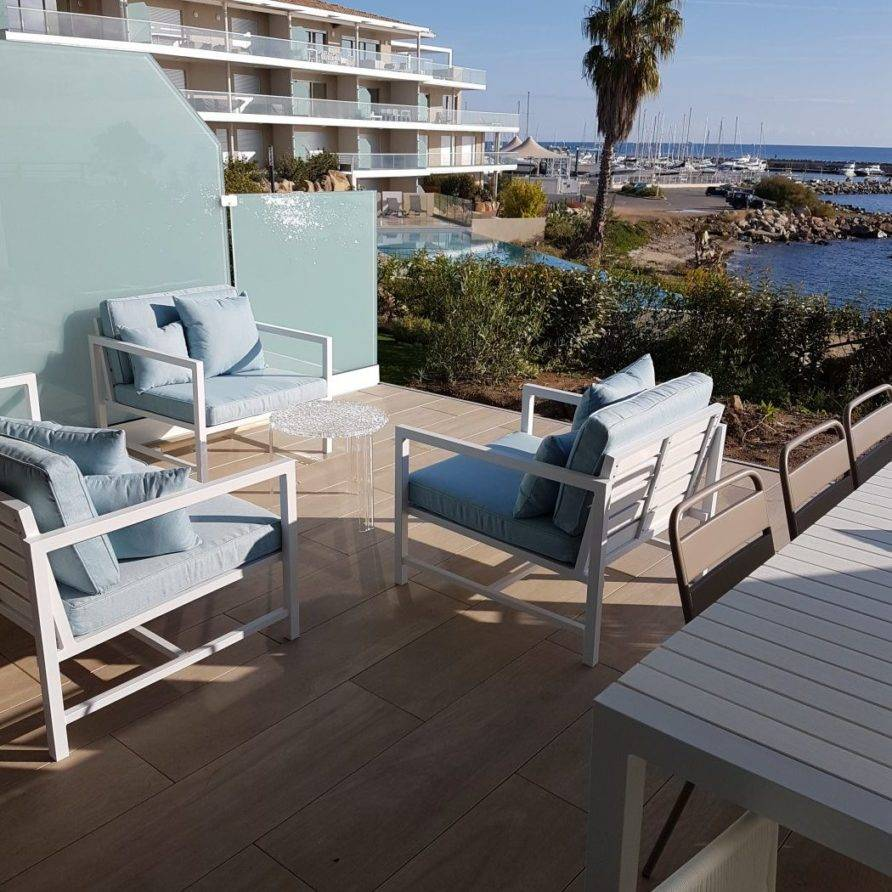Sari-Solenzara – appartement de luxe en bord de mer pour 4 personnes