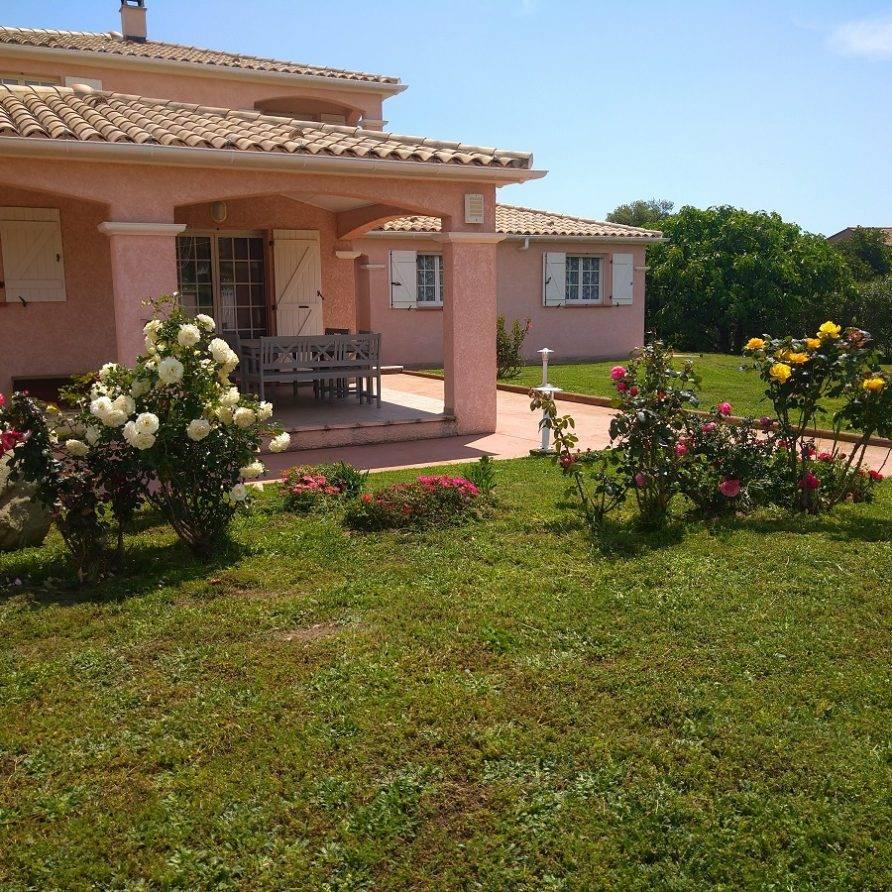 Travo – Haute Corse – spacieuse villa avec piscine pour 17 personnes