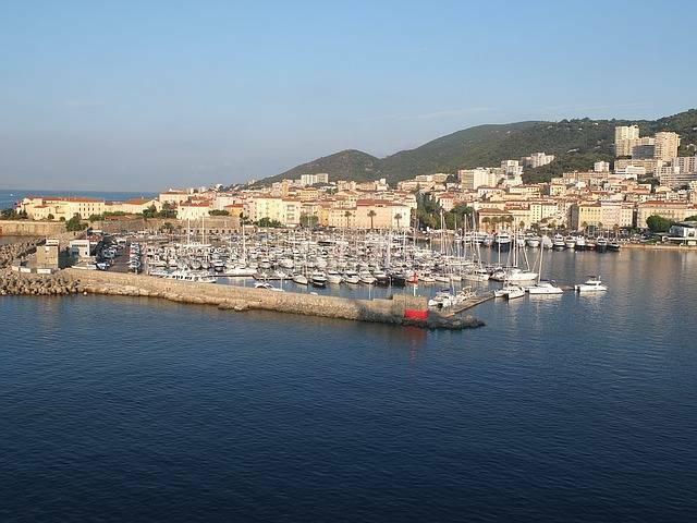 5 lieux incontournables à visiter à Ajaccio.