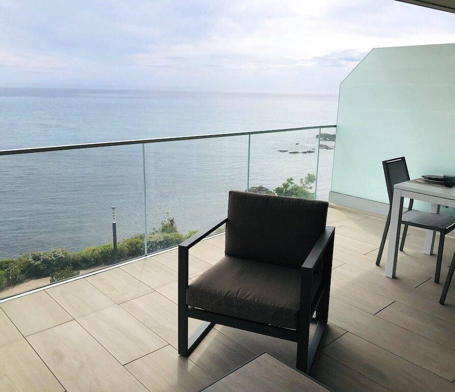 Location vacances Solenzara 6 personnes dans une superbe résidence face à la mer A222
