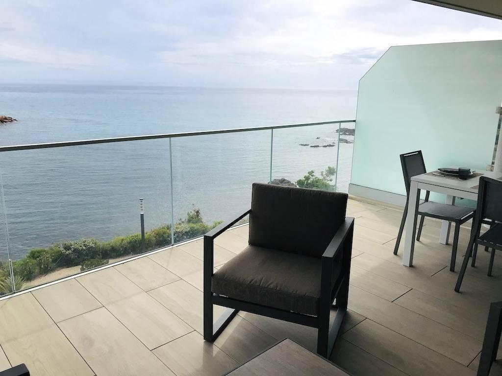 Location vacances Solenzara 6 personnes dans une superbe résidence face à la mer A223